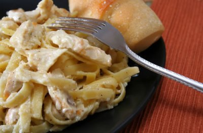 Creamy Crock Pot Chicken and Noodles