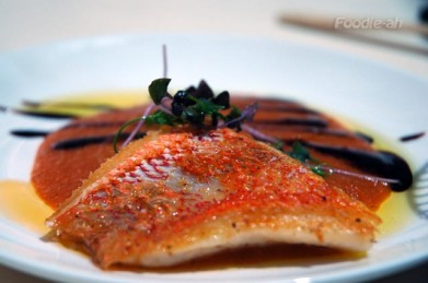 Red mullet fillets with tender herbs oil Recipe
