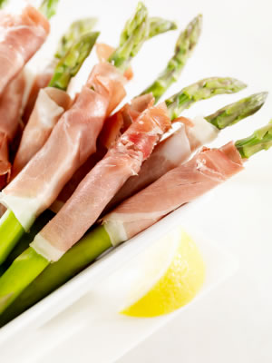 Grilled Asparagus with Ham