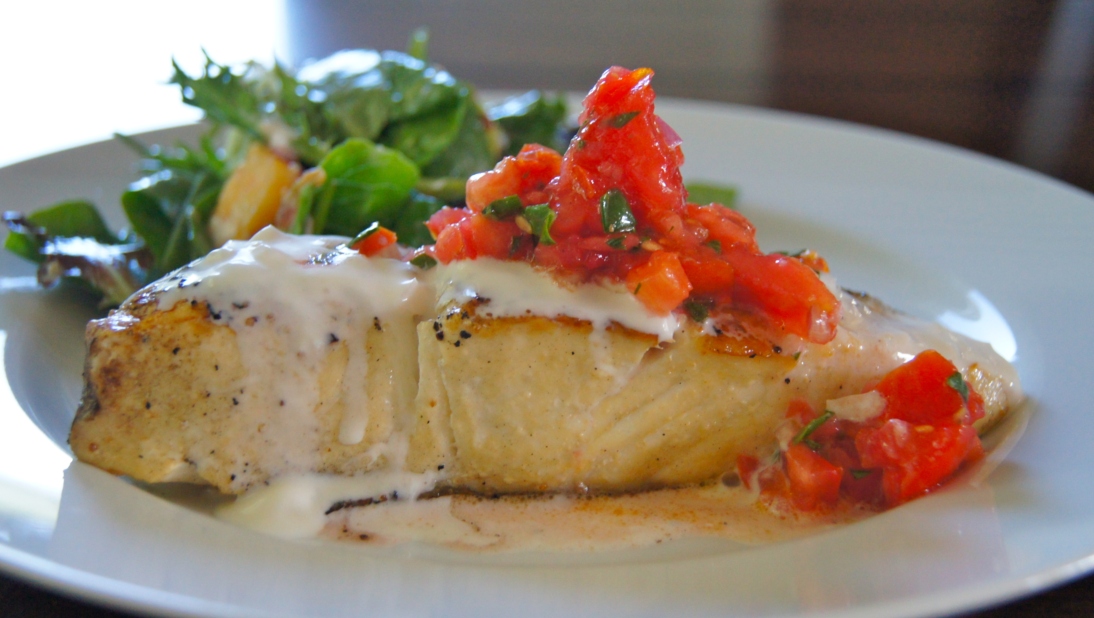 Healthy dinner fish recipe halibut in creamy wine sauce for Healthy sauces for fish